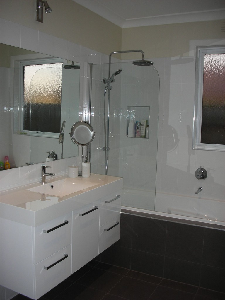 average labor cost for bathroom remodel | top home information