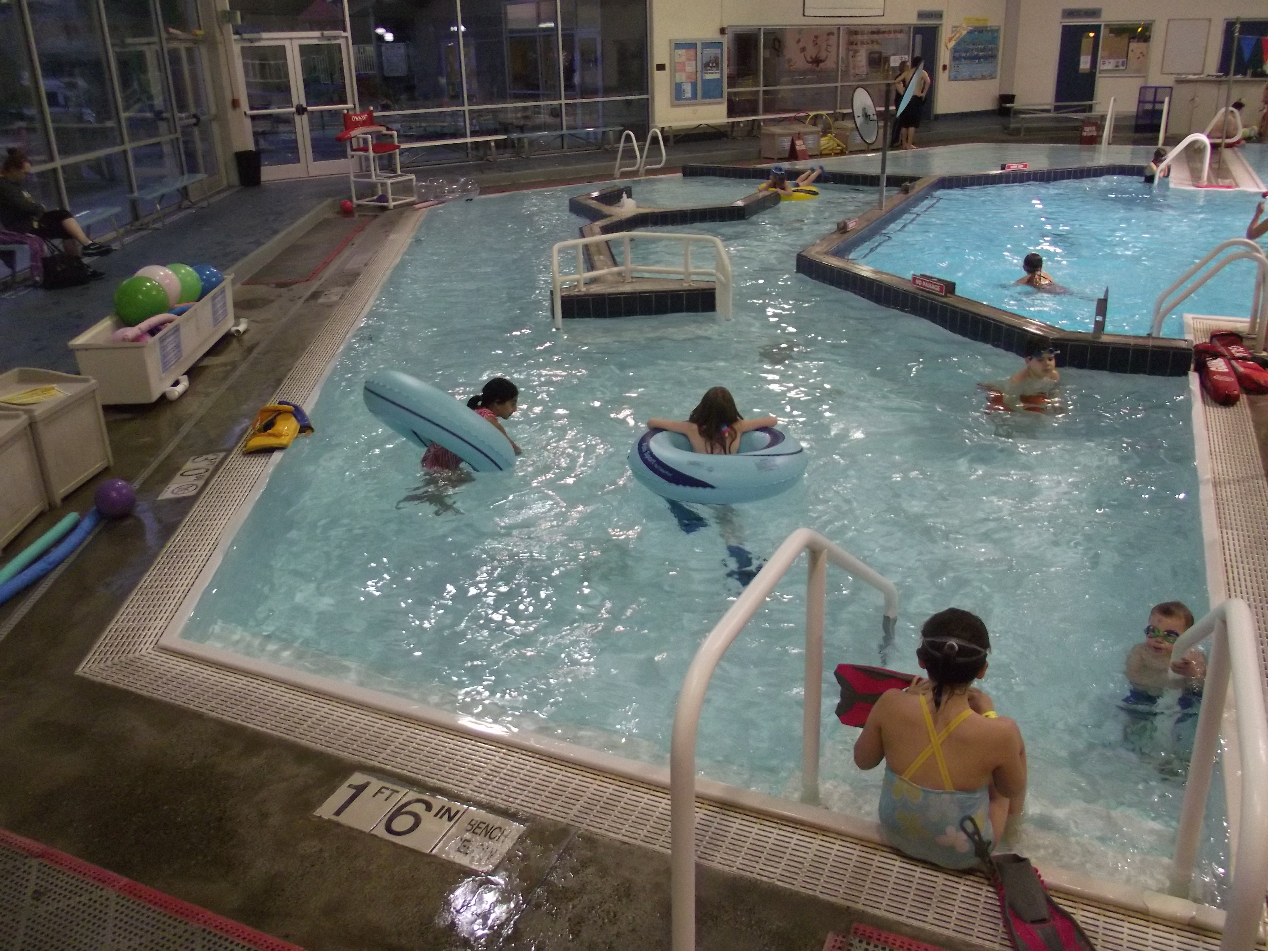 Mountlake terrace pool top home information for Alton swimming pool opening times